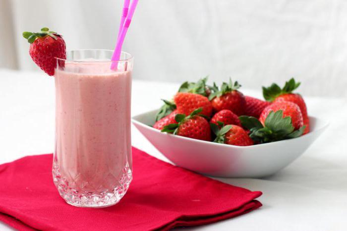 млечен шейк с ягоди без сладолед