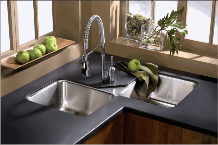 Lavandino angolare in cucina: foto, dimensioni, modelli