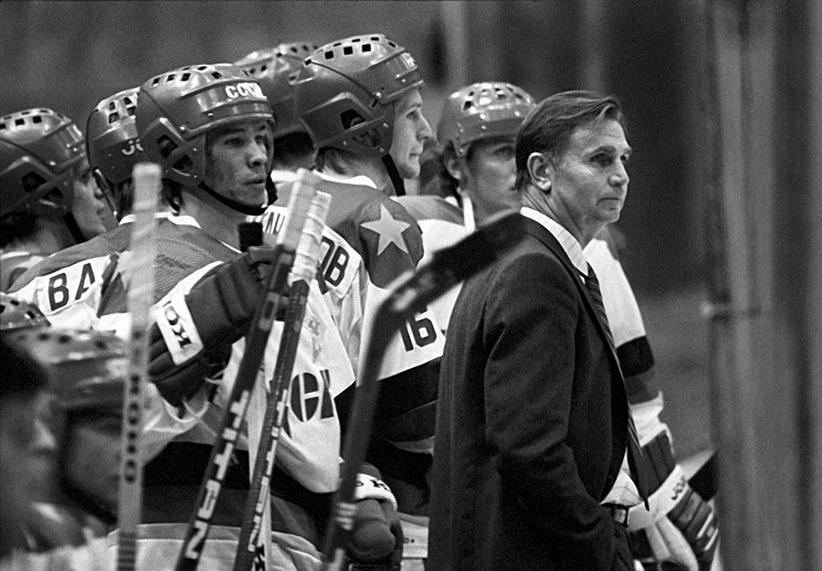 Trener drużyny hokejowej CSKA
