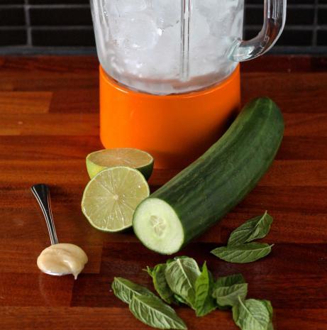 Защо е полезен краставичен сок?