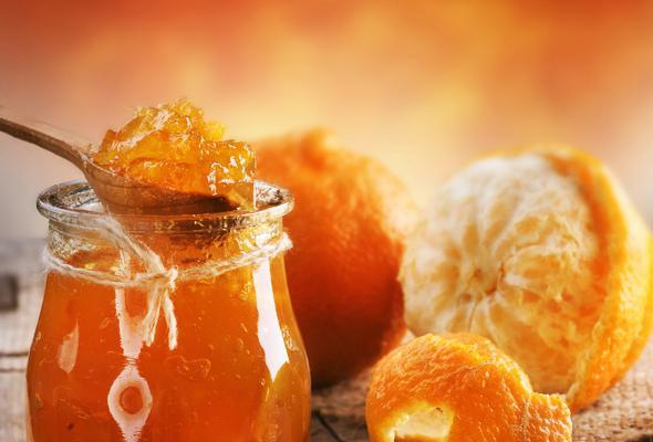 okusno pomarančno marmelado