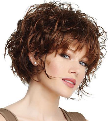 foto di capelli ricci corti