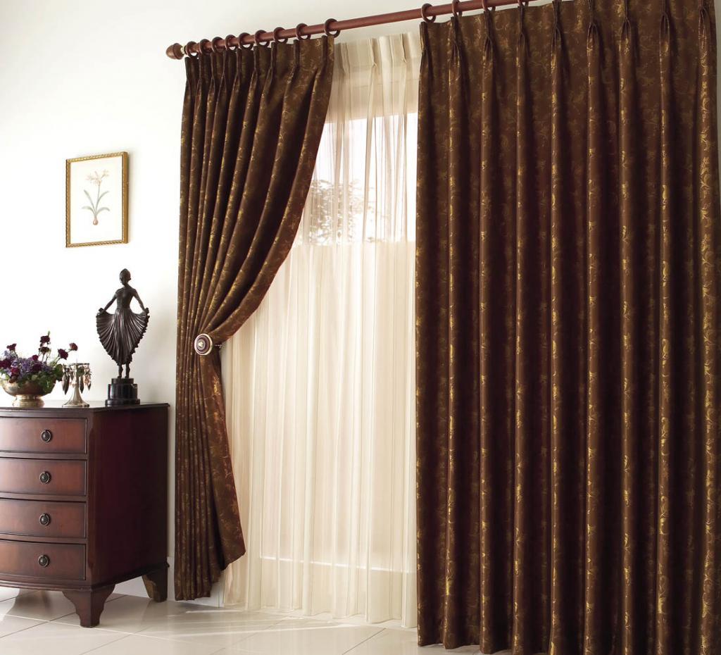 Дизайнът на завесите в спалнята