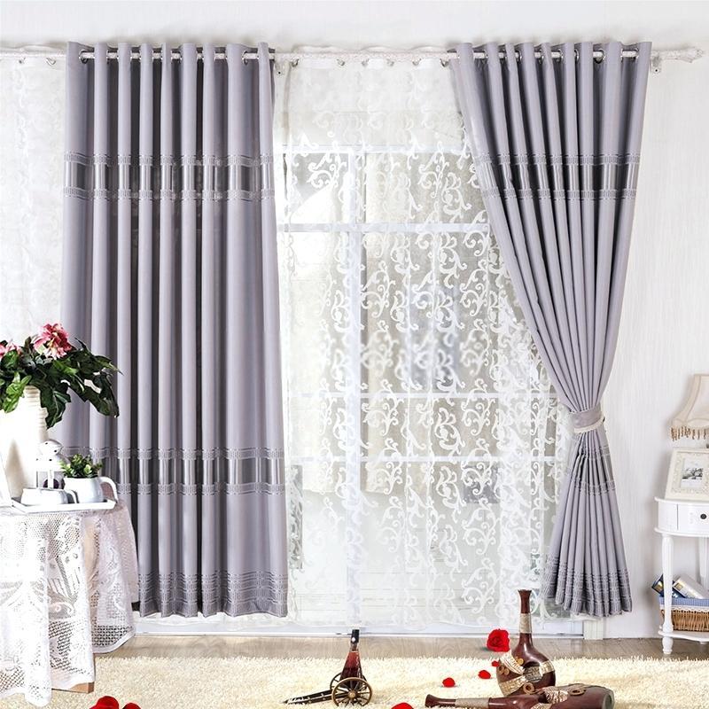 Сиви завеси в спалнята