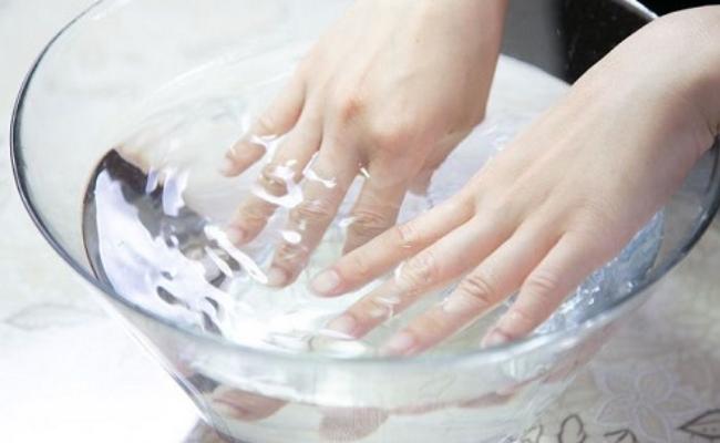 Bagno delle unghie
