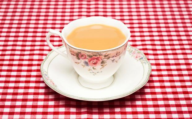 tè nero con bergamotto e latte