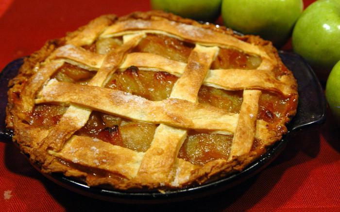 печене с ябълки