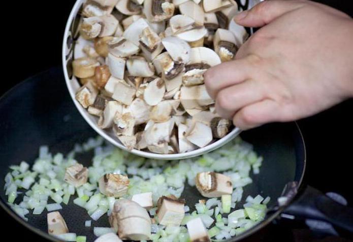 salata s receptima gljiva i škampa