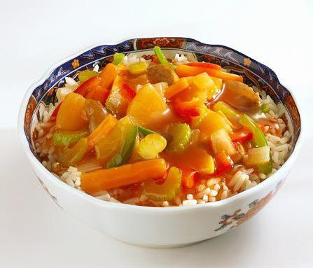 piatto di verdure in umido