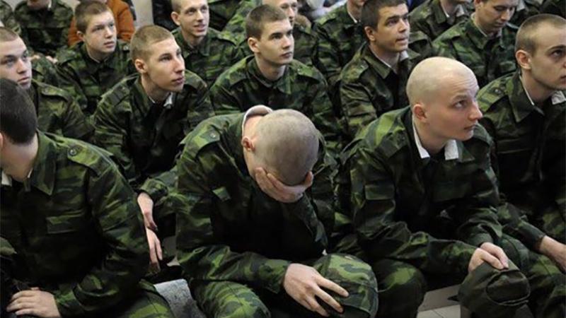 młodzi żołnierze