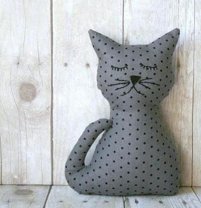 Hračka kočka