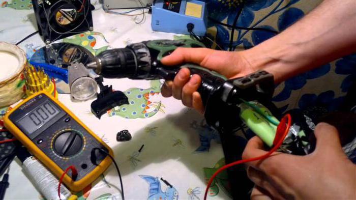 Oprava baterií pro šroubováky v Petrohradě