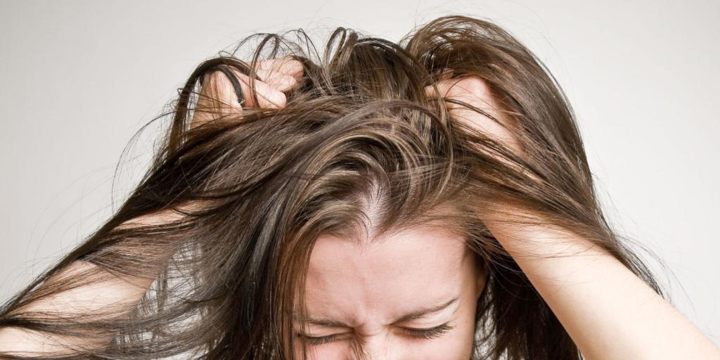 Sucha skóra na głowie