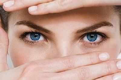 mandlové oči