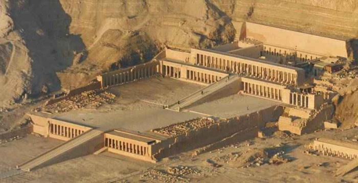 Храмът на кралицата Хатшепсут