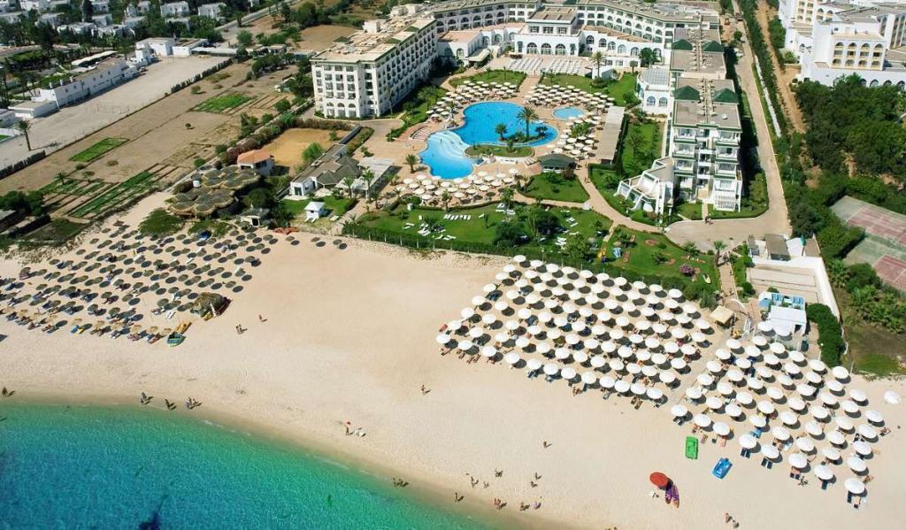 Плажът на двореца Ел Муради