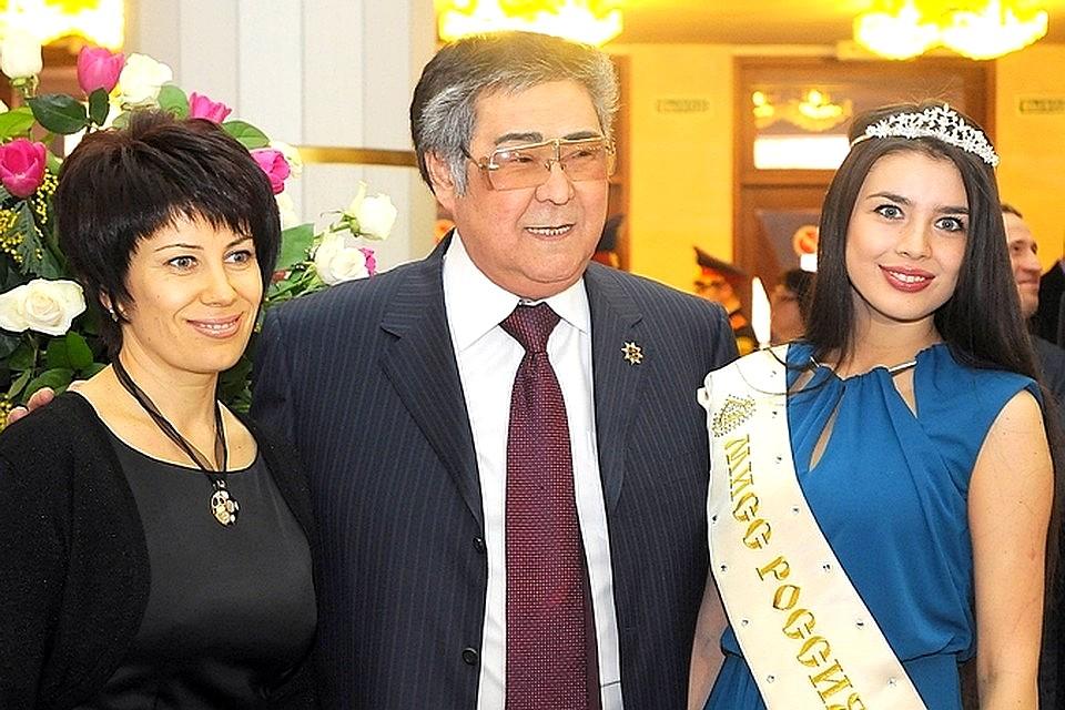 Guverner regije Kemerovo Aman Tuleyev ob podelitvi Elmire