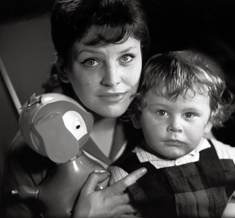 Elsa Ladey se svým synem Alexejem