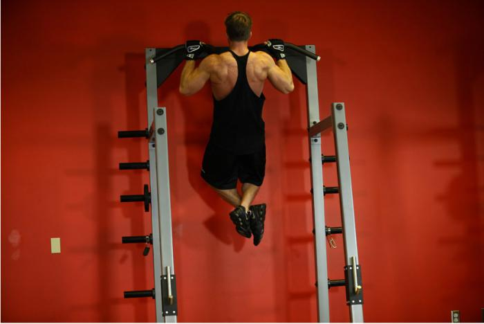 esercizi di schiena larga