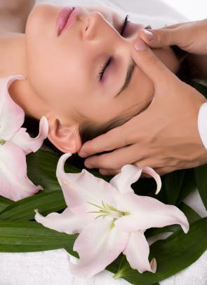 kosmetická masáž obličeje
