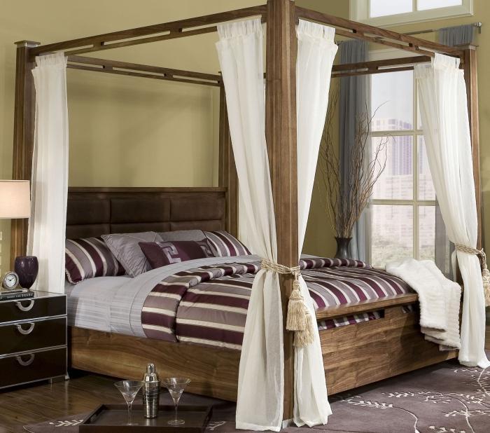 baldachim nad łóżkiem