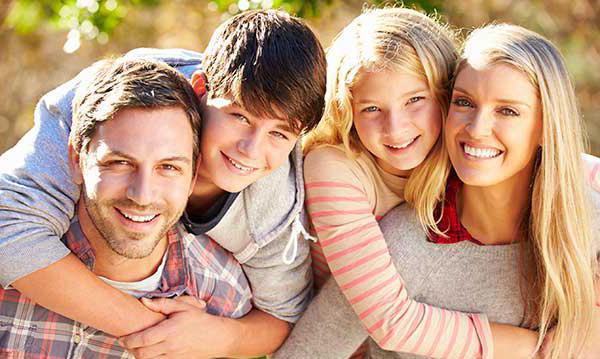 članova obitelji