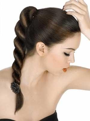 acconciature semplici per capelli medi