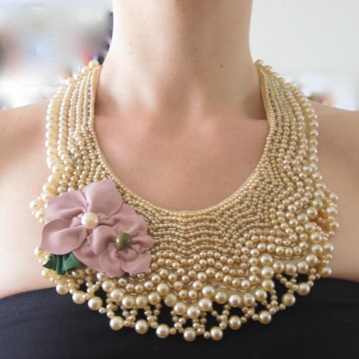 colletto di perline