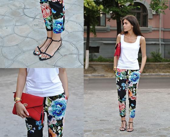 шта да носе модне панталоне и фармерке са цветним отиском