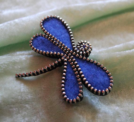libellula fatta di feltro e cerniera