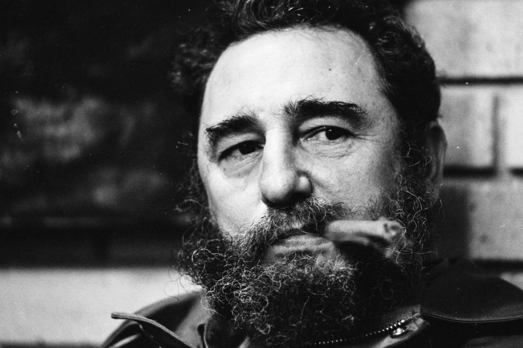 Fidel Castro biografia politica