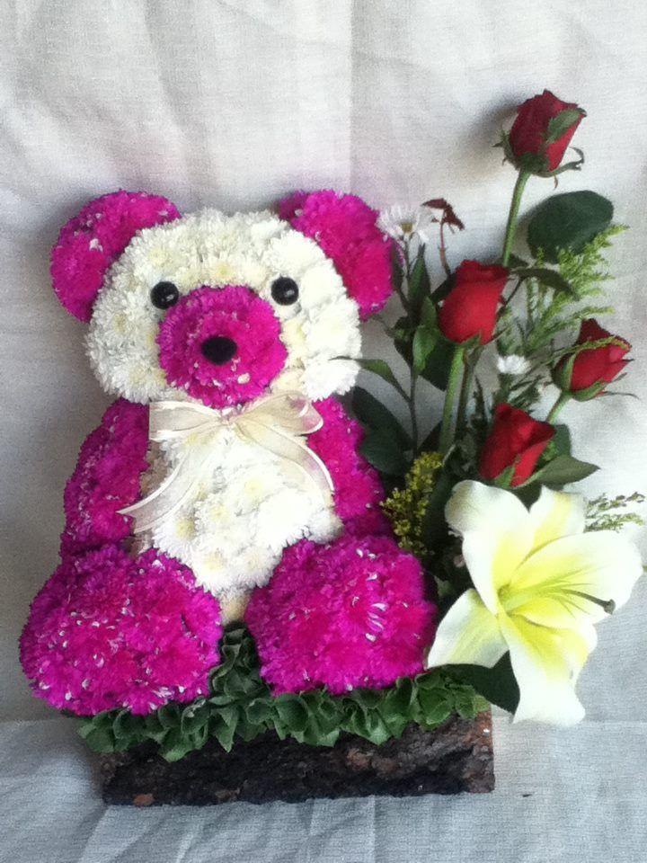 orsacchiotto con un bouquet