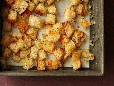 crostini al forno con aglio