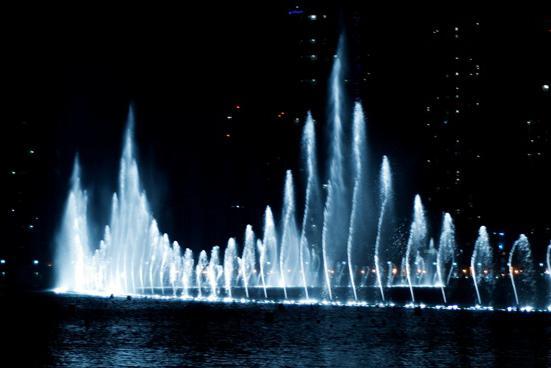 la più bella fontana di dubai