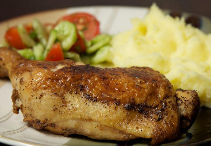 kuřecí stehna s brambory v pomalém sporáku