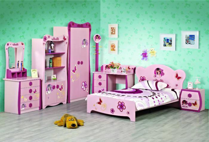 mobili nella stanza dei bambini per il bambino
