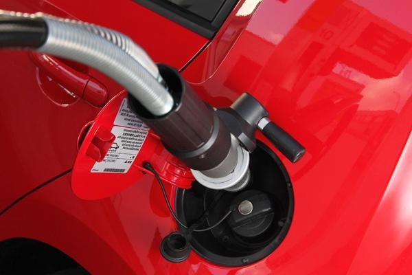 consumo medio di carburante per 100 km