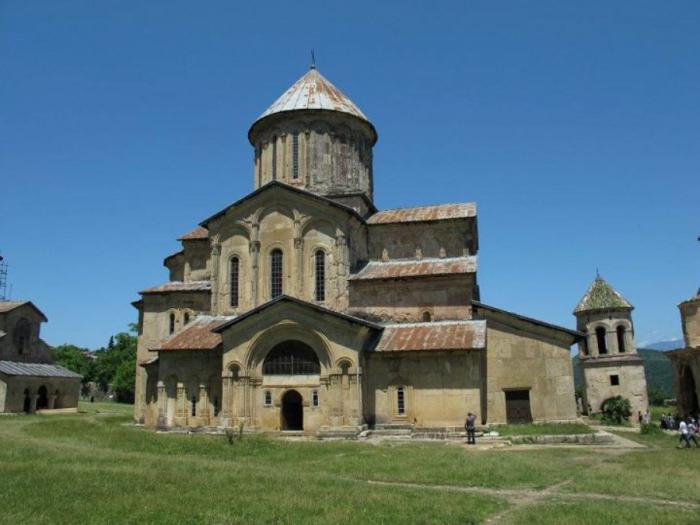 jaka religia jest oficjalna w gruzji