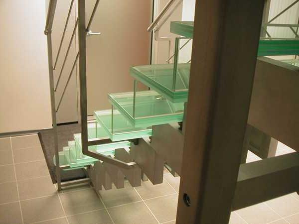 ringhiere di vetro per le scale