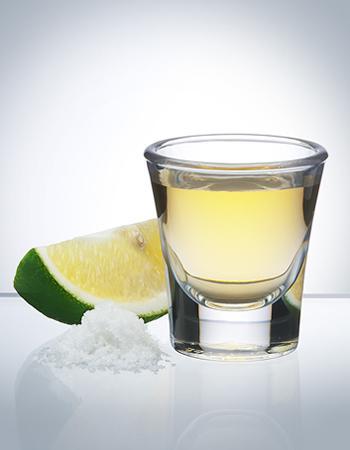 set di bicchieri di whisky