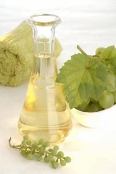 olio di semi d'uva per il viso