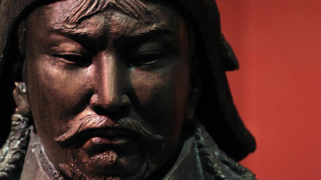 диктатор Чингис Хан