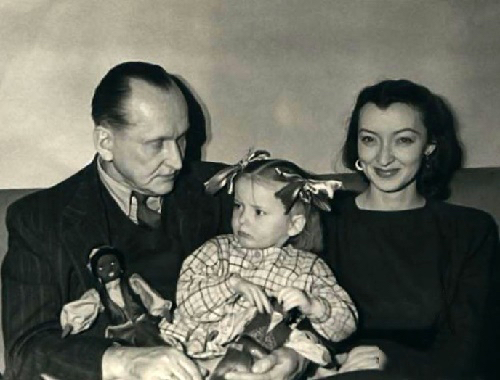 Вертински са својом породицом