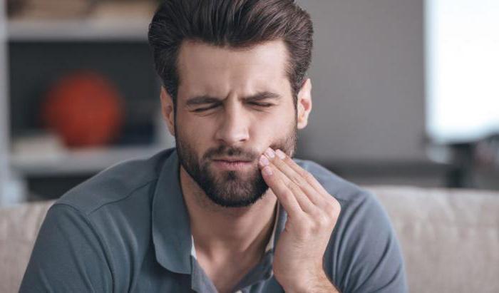 la gomma fa male al dente