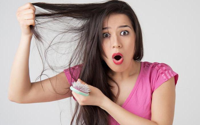 molti capelli cadono