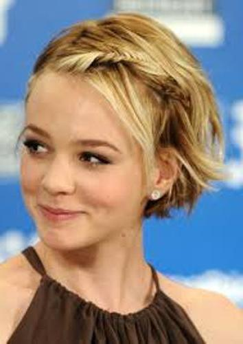 прически за къса коса за момичета на 12 години вкъщи