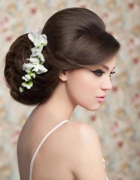 acconciature da sposa con ciocche in testa