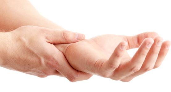 zwichnięcie dłoni