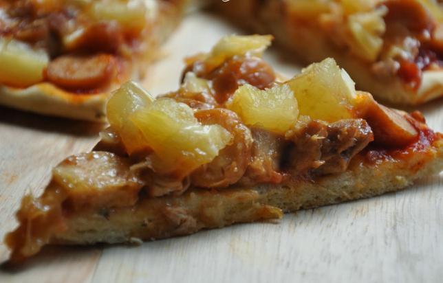 Ricetta della pizza hawaiana con foto
