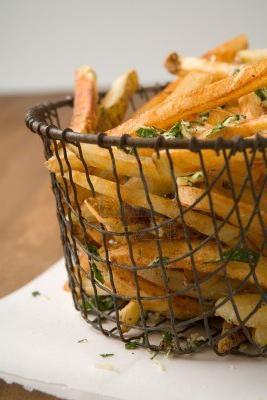 Пържени картофи и подправки